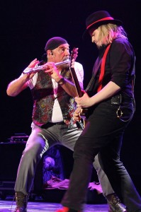 Ian Anderson and Florian Opahle live in Berlin, 2012 (photo: MARTIN WEBB)