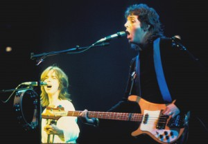 Wings: Jimmy McCulloch and Paul McCartney (uncredited photo)