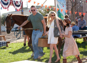HOME IS WHERE THE HEART IS (Conrad Goode, Laura Bell Bundy andBailee Madison) (publicity still)