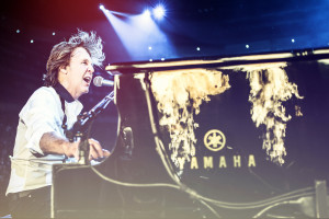 Paul McCartney at the piano, OUT THERE TOUR 2013 (photo credit/copyrighted by MJ KIM)