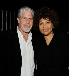 SONS OF ANARCHY (Ron and Opal Perlman at the 2011 season premiere) (uncredited photo)