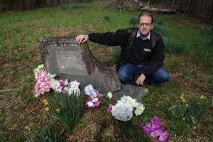 UNPREPARED TO DIE (Paul Slade at Tom Dula's grave in North Carolina, April 2015) (publicity photo)
