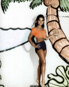 GILLIGAN'S ISLAND (Dawn Wells) (publicity photo)