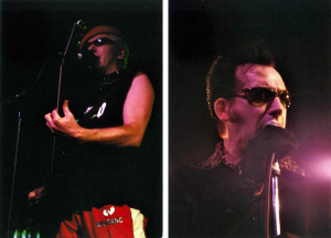 The Damned play the Galaxy in Saint Louis, 2002 (Captain Sensible; Dave Vanian) (photo credits: DARREN TRACY)