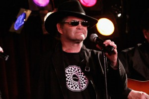 Micky Dolenz performing at the Davy Jones Memorial show, 2012 (photo credit: CINDY ORD/GETTY IMAGES)